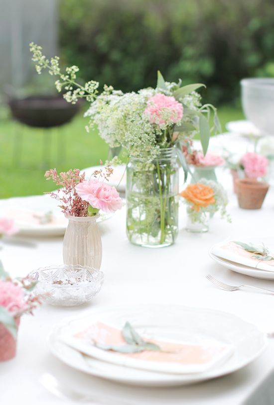 Garden party, tablesetting, use jam jars and garden flowers.