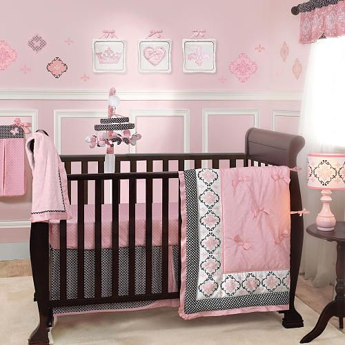Set includes: Quilt, 2 sheets, diaper stacker, window valance, 3 piece wall d ~ one of my options for a Girl!!