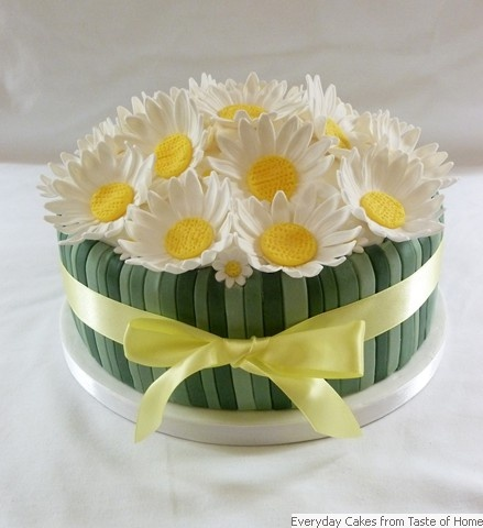 Cake Decorating How To Make Daisies : Daisy Cake Decorating Pinterest
