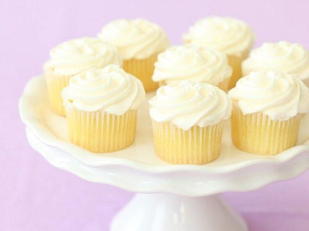 Magnolia's Vanilla Cupcakes