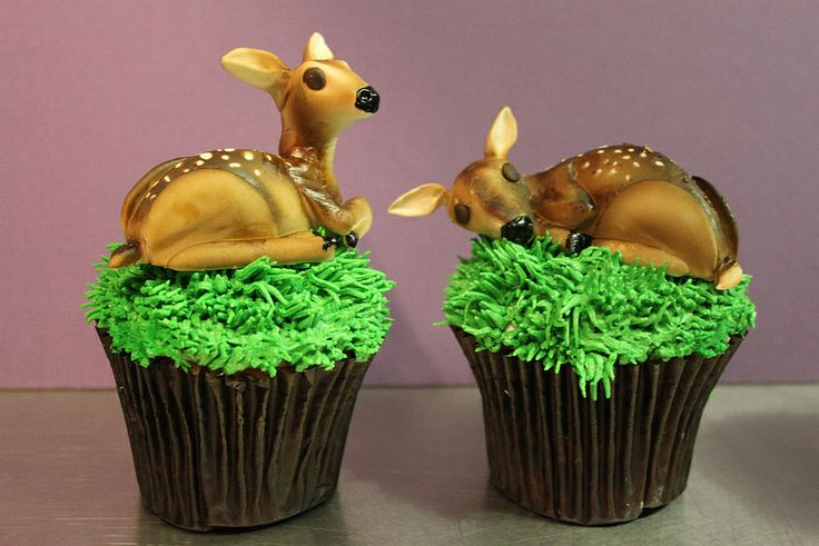 Deer cupcakes 2 cakes enchanted forest amp autumn