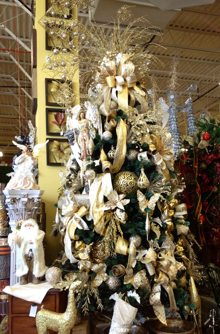 Gold and champagne christmas tree christmas pinterest for Decor 77005