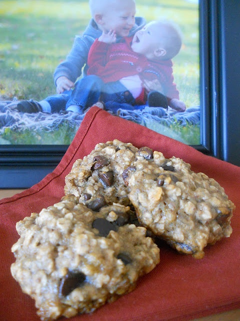 Sweet & Savory: Banana Oatmeal Chip Cookies This is what's in my oven...
