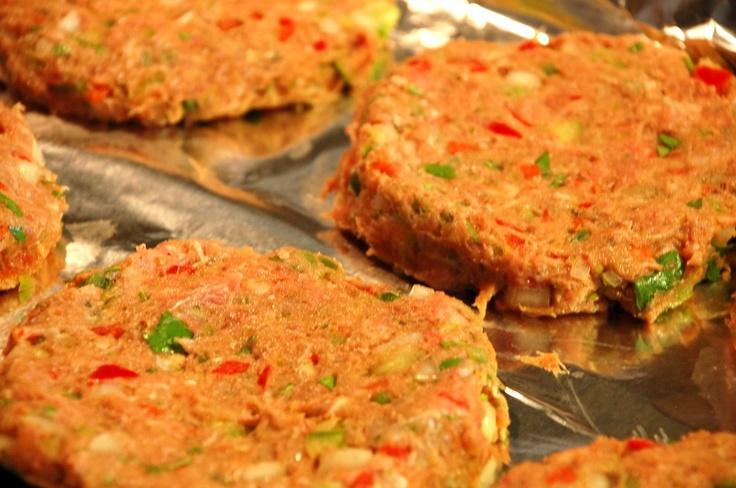 Fajita Turkey Burger---hold the bun. I don't even like turkey and this ...