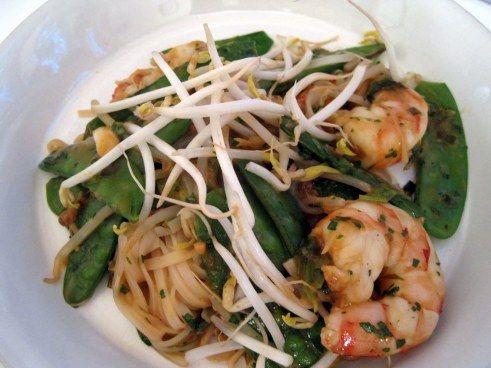THm (S) Shrimp Pad Thai (includes recipe for sauce)