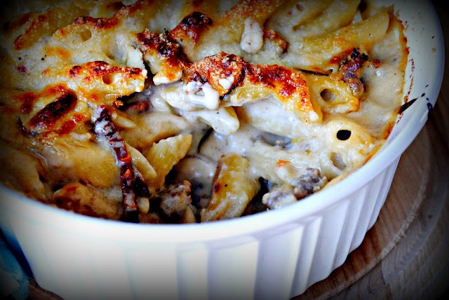 Baked Penne with Italian Sausage and Sun-Dried Tomatoes