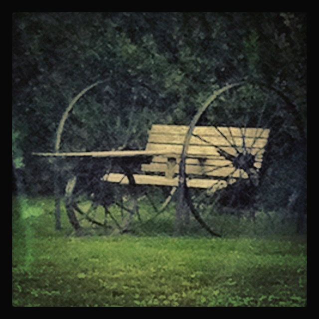 Wagon Wheel Bench For The Home Pinterest