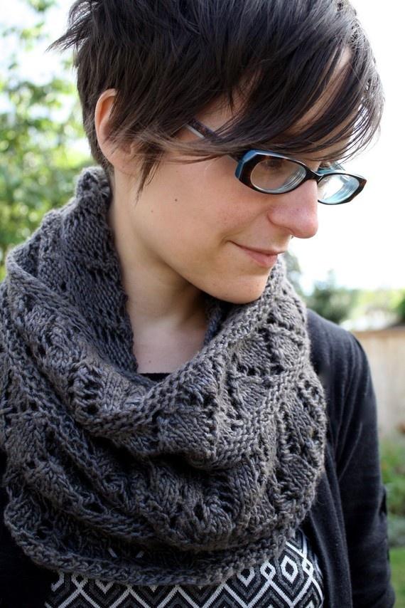 Looming Knitting Patterns : Cowl KNITTING PATTERN - Lace Circle Scarf, Cowl, Snood - Balustrade
