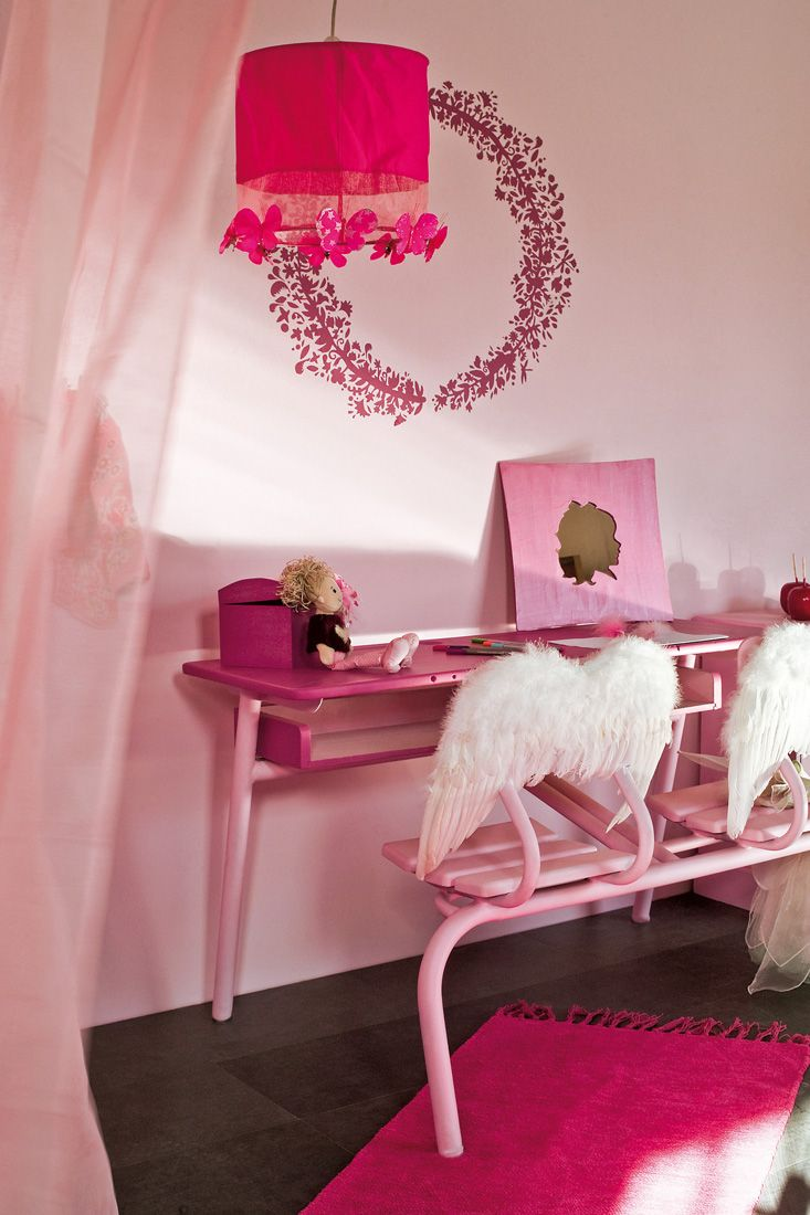 d cos pour une chambre de petite fille. Black Bedroom Furniture Sets. Home Design Ideas