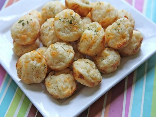 Cheddar Herb Muffin Bites Recipe Video by divascancook | ifood.tv