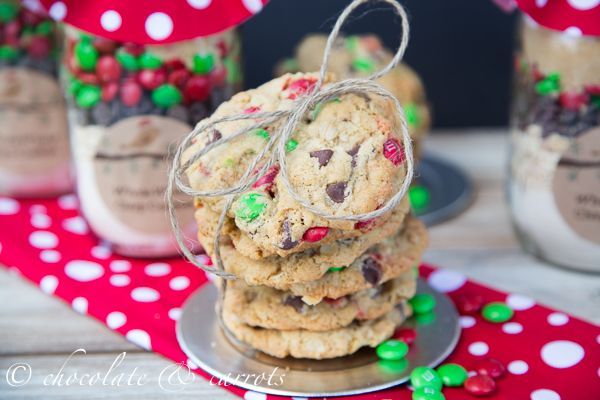 Christmas Gift} Cookie Mix in a Jar {Giveaway}