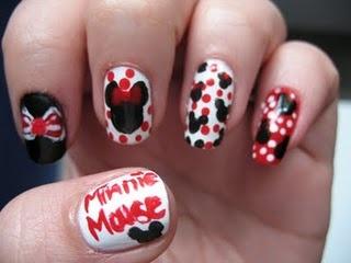 Minnie Mouse Nail Art Freehand http://moondancerjen.blogspot.com