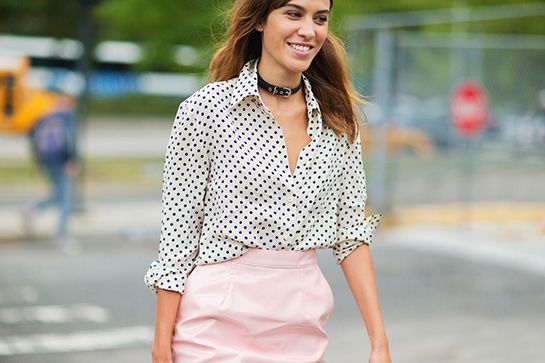 Watch This Alexa Chung Outfit Is So Wrong in Theory, But Somehow It Works video