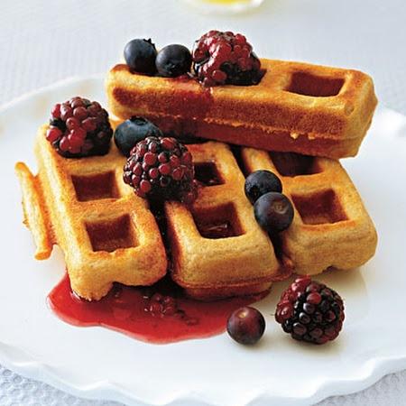 Whole Wheat Peanut Butter Waffles | breakfast love! | Pinterest