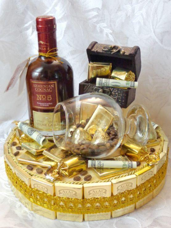 Подарок своими руками из конфет и бутылки коньяка 36