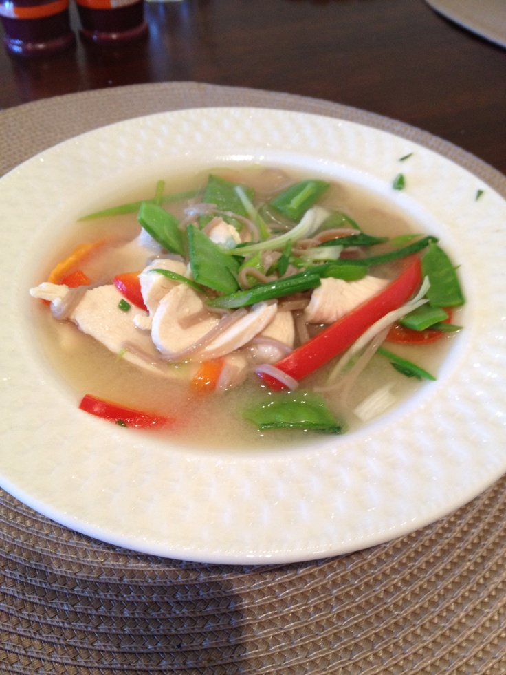 garlic ginger soba noodle soup with chicken and snow peas