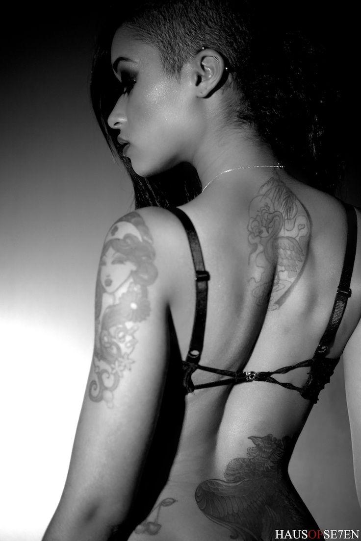 Tattooed MILFs Skin Diamond  № 1398122 без смс