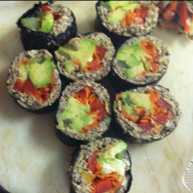 Raw vegetable sushi | Raw Vegan | Pinterest