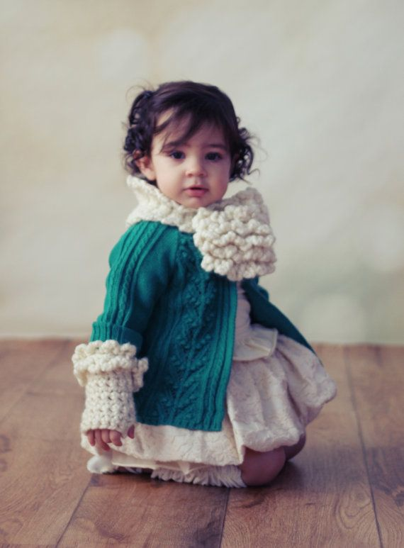 CROCHET PATTERN Toddler & Girls Keyhole Scarf and Fingerless Gloves S?