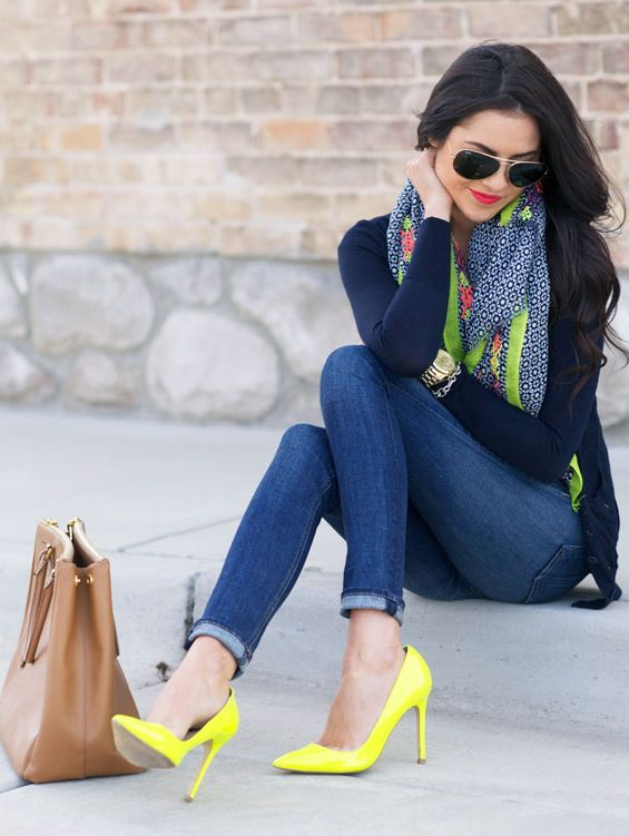 jeans pants scarf and sweater with high heel