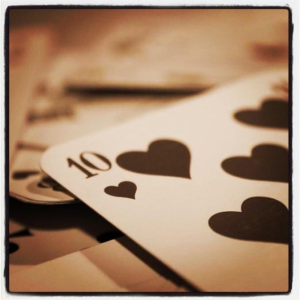 #iphonesia #instagood #instagramhub #instamood #photooftheday #iphonography #webstagram #igers #love #card #game #poker #night - @ipekbozkurt- #webstagram