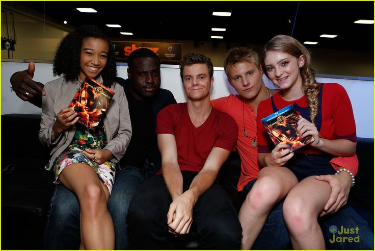 Comic Con 2012: Amandla Stenberg, Dayo Okeniyi, Jack Quaid, Alexander Ludwig, and Willow Shields at The Hunger Games Cast Signing
