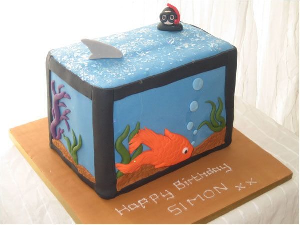 Fish tank cakes cupcakes pinterest for Fish tank cake designs