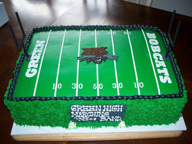 Cake Decorated Like Football Field : football field cake:) Nolan party Pinterest