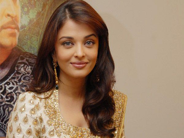 Beautiful Hair Cutting Style : Get Aishwarya Rais Gorgeous Hairstyle Style & Beauty iDiva.com