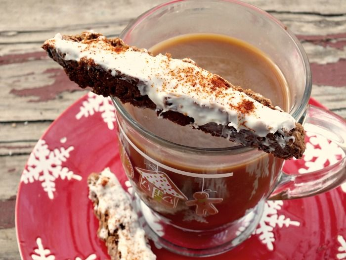 Spicy Chipotle Gingerbread Biscotti with White Chocolate Glaze | Reci ...