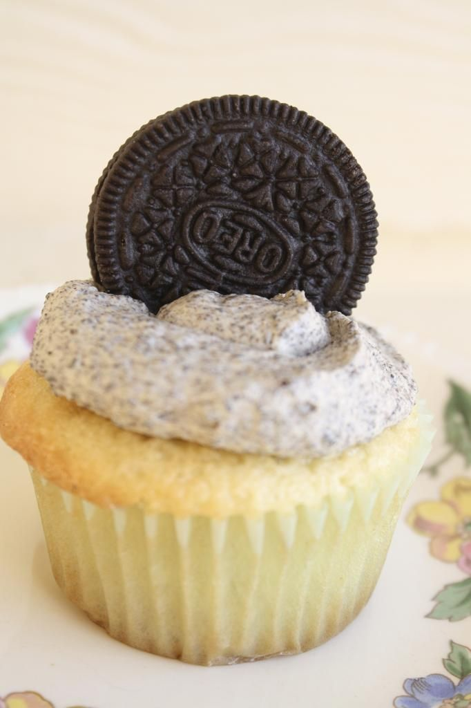 Oreo Truffle Stuffed Cupcakes | Yummy Food | Pinterest