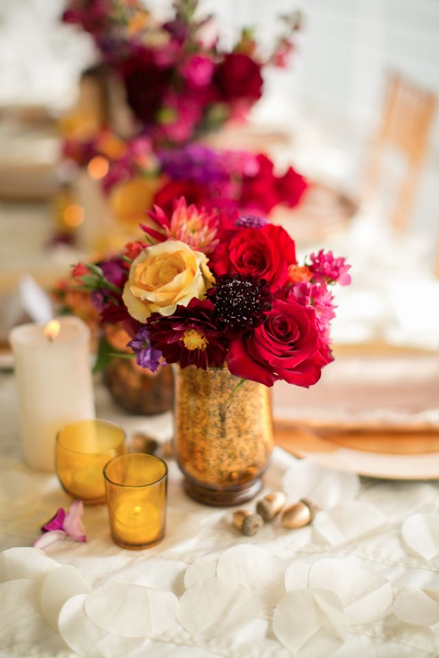 Autumn wedding centerpiece | Amanda Hedgepeth Photography | http://burnettsboards.com/2013/11/classic-modern-hampton-roads-wedding/