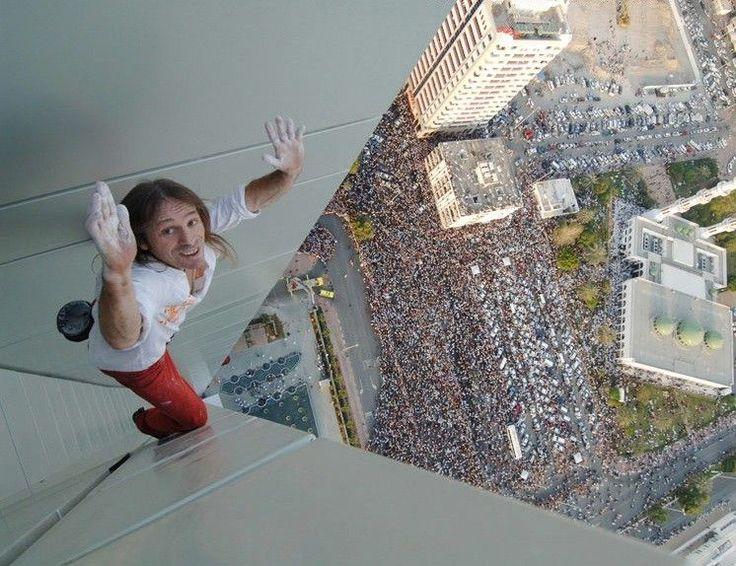 Alain robert climbing burj khalifa climbing and vagabond spiratio - Alain robert burj khalifa ...