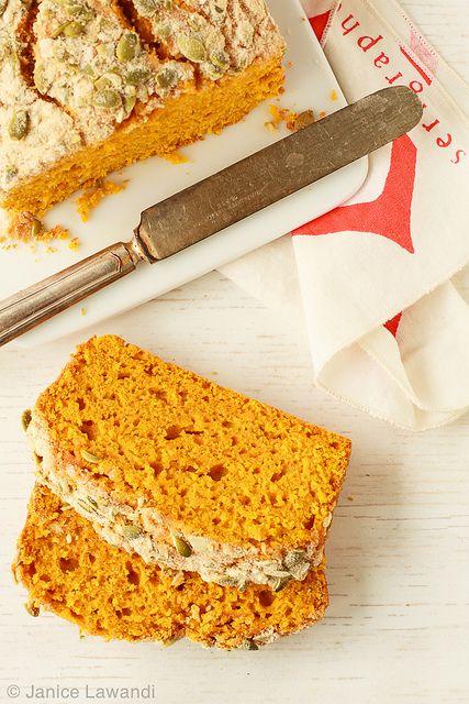 Maple pumpkin loaf |  Kitchen Heals Soul #recipe #pumpkin