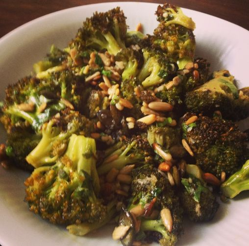 Roasted broccoli with lemon and garlic | Yummy things | Pinterest