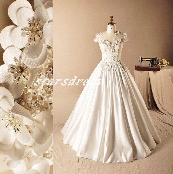 Size handmade in flower a line wedding dresses beach wedding