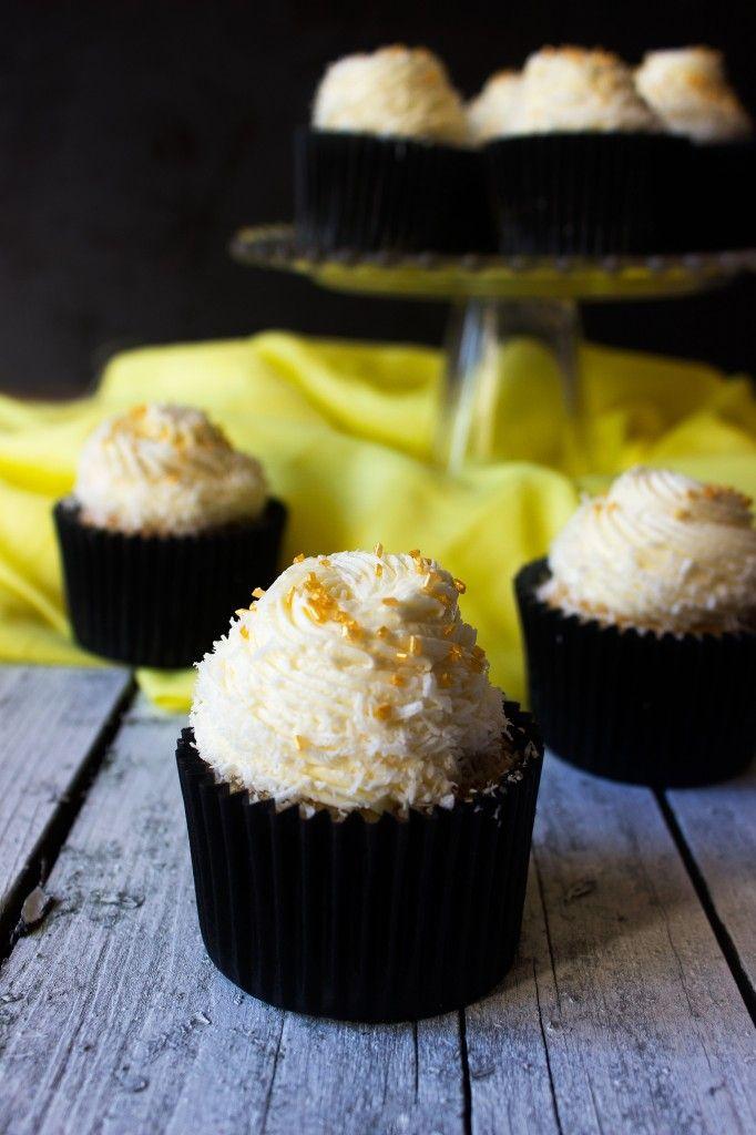 Lemon Coconut Cupcakes | Everything Cupcake | Pinterest
