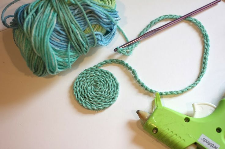 Crocheting Chain Stitch : chain stitch