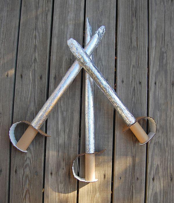 Espadas de cartón