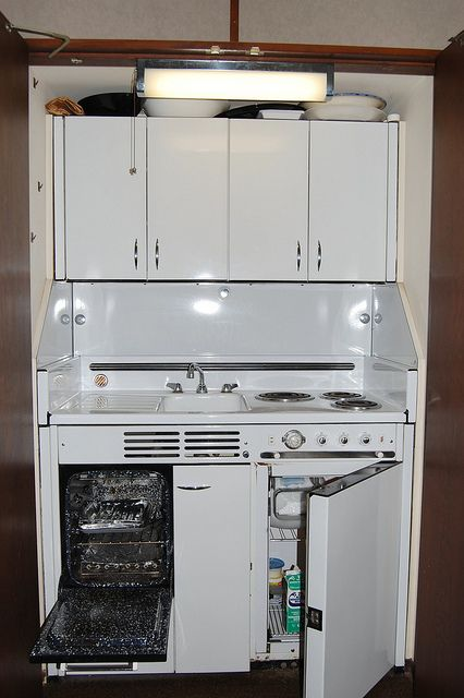 Dwyer Kitchenette This Is Basically What I Had In My First Condo A
