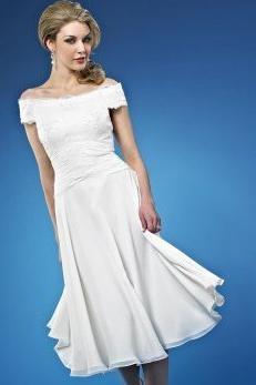 ... Brautkleid, freie Schultern  Kurze Brautkleider, Standesamt