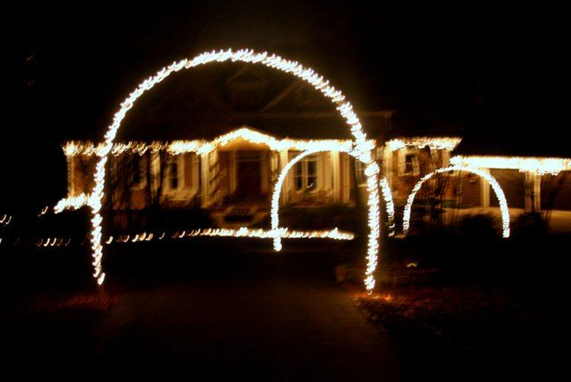 Outdoor christmas lights and diy arches for Christmas arch diy