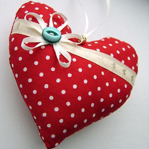 Polka dot christmas heart   Christmas Ornaments   Pinterest