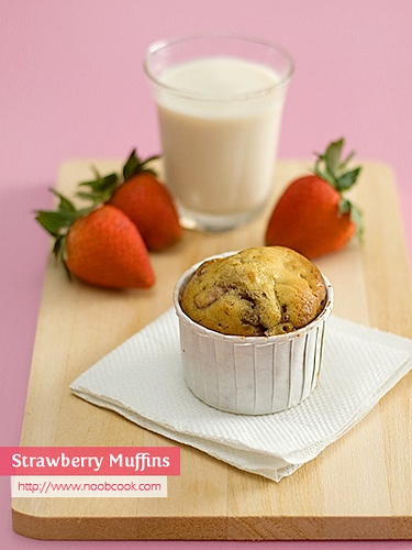Strawberry Muffins | Food: My sweet side | Pinterest
