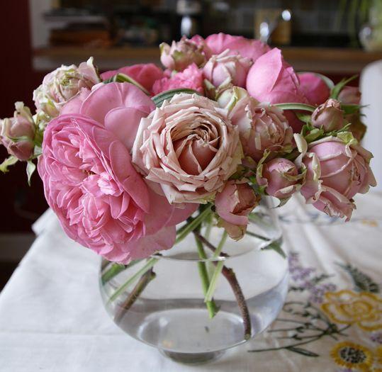 cheap flower arrangements for valentines day