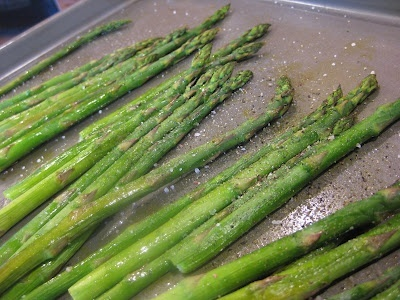 Simple Roasted Asparagus with Olive Oil and Sea Salt http://bit.ly ...