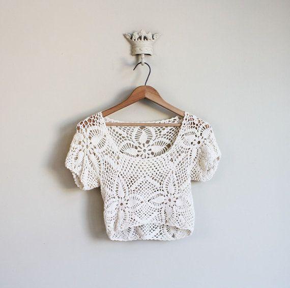 Crochet Crop Top : vintage 1970s CREAM CROCHET crop top