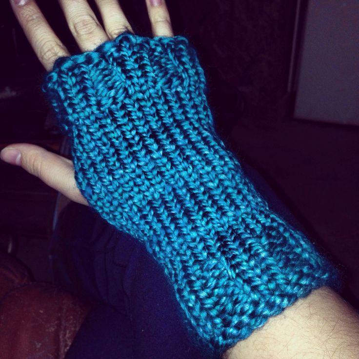 Loom Knitting Pattern For Fingerless Gloves : Loom knit fingerless mitts! Knitting Pinterest