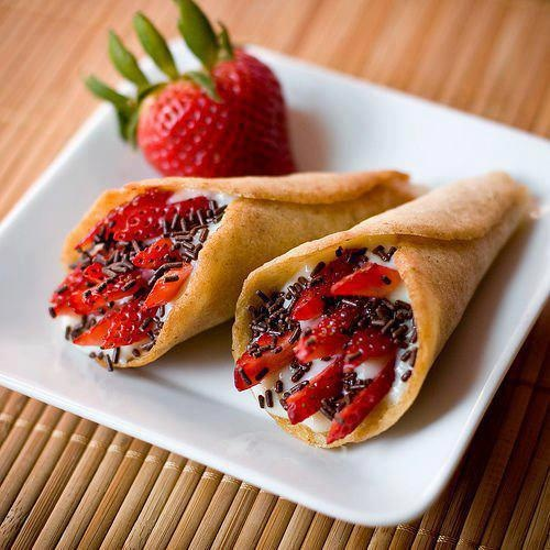 Nutella. Crepe. Strawberry. | Doce Vício | Pinterest
