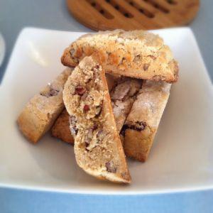 Peanut Butter Pecan Biscotti's - Recipe c/o @joythebaker